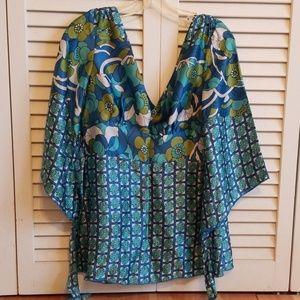 1069 Sherman silk kimono blouse like new sizs s